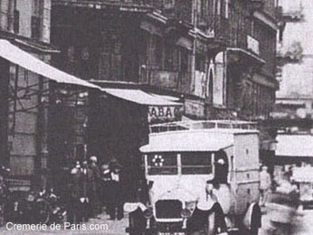 Cremerie de Paris, Tabac des Halles et Magasin de Fruits en 1925