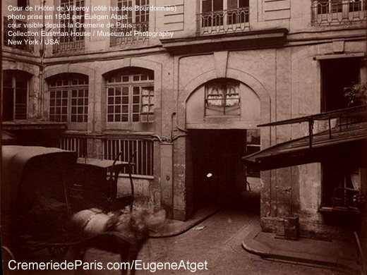 Courtyard of the Hotel de Villeroy picture by Eugene Atget