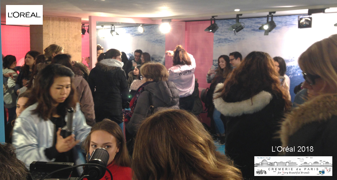 Salon de coiffure dans le L Oreal Pop Up Store