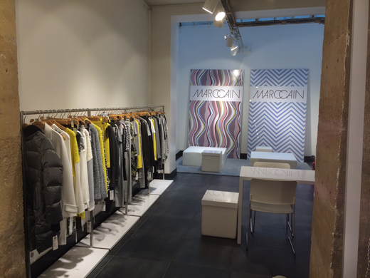 sous la verriere du showroom Marc Cain